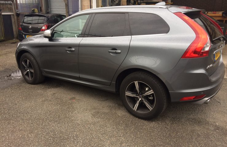 volvo-xc60-diesel-estate-d5-220-r-design-lux-nav-5dr-awd-geartronic-car-leasing-best-offers