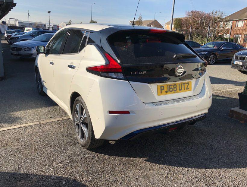 Nissan LEAF HATCHBACK 110kW Tekna 40kWh 5dr Auto Electric Car Leasing Best Deals