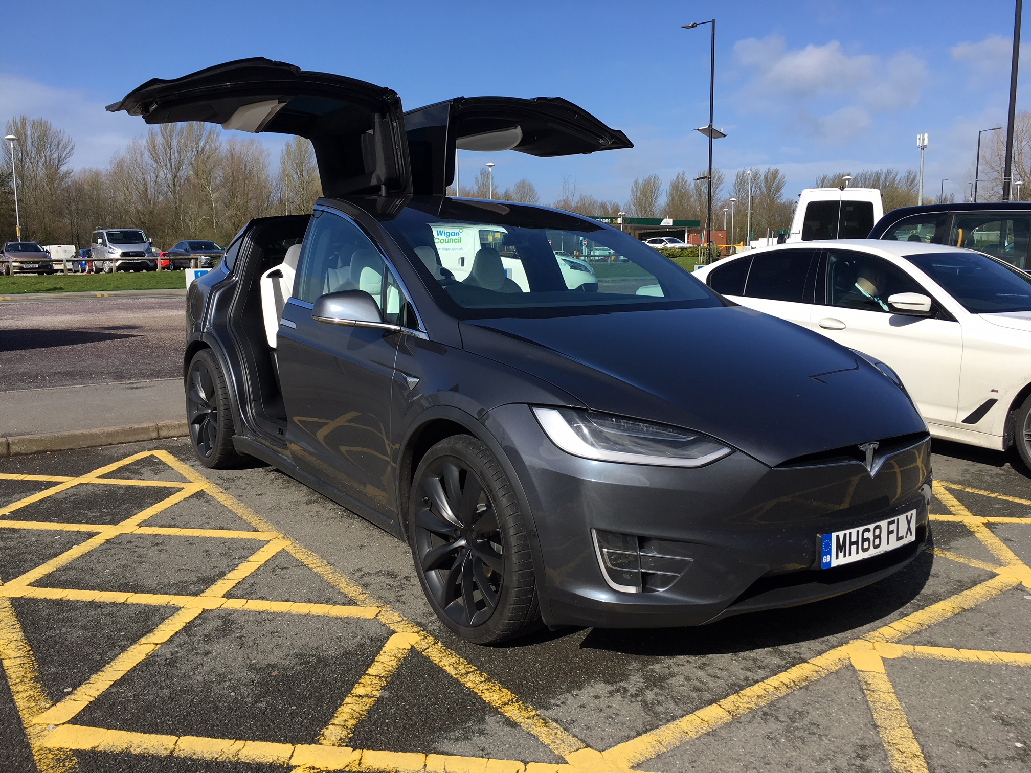 In Review Tesla Model X 449kw 100kwh Dual Motor 5dr Auto Carlease Uk