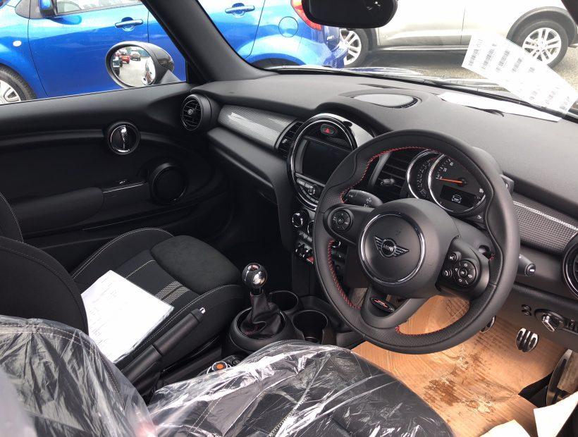 Mini CONVERTIBLE 1.5 Cooper Sport II 2door Comfort Nav Pack Car Leasing Interior